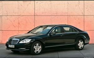 Mercedes-Benz-S600-Guard-2011-1920x1200-001