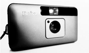 fotocamera-compatta-Mark-Roy-ok-1000x600