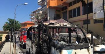 Djegia e autobusit në Krujë, ja cilët janë heronjtë që shpëtuan jetë