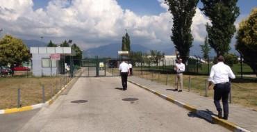 Skema e grabitjes në aeroportin e Rinasit, në pistë nuk pati polic