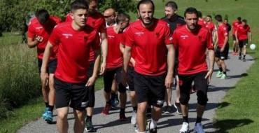 Firot kosovare Kuqezi/ Rudi Vata frikëson: Fadil Vokrri po lëviz gurët