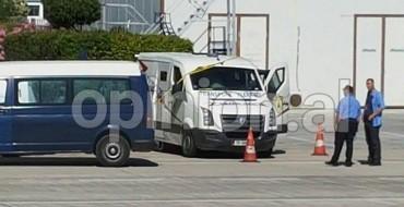 Ekskluzive/ Ja furgoni që u grabit dje në Rinas me 3 milion euro