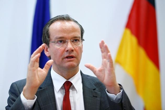 Deputeti gjerman Krichbaum: Nuk janë pjekur kushtet, çelja e negociatave me Shqipërinë e parakohshme