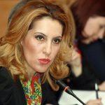 Ministrja e Integrimit Majlinda Bregu, duke folur gjate seminarit konsultativ BE-Shqiperi per 12 rekomandimet e KE, ne hotel Sheraton.