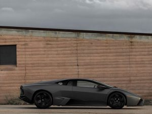 Ky-Lamborghini-Reventon-do-te-humbe-ne-ankand-33-per-qind-te-vleters-foto-5
