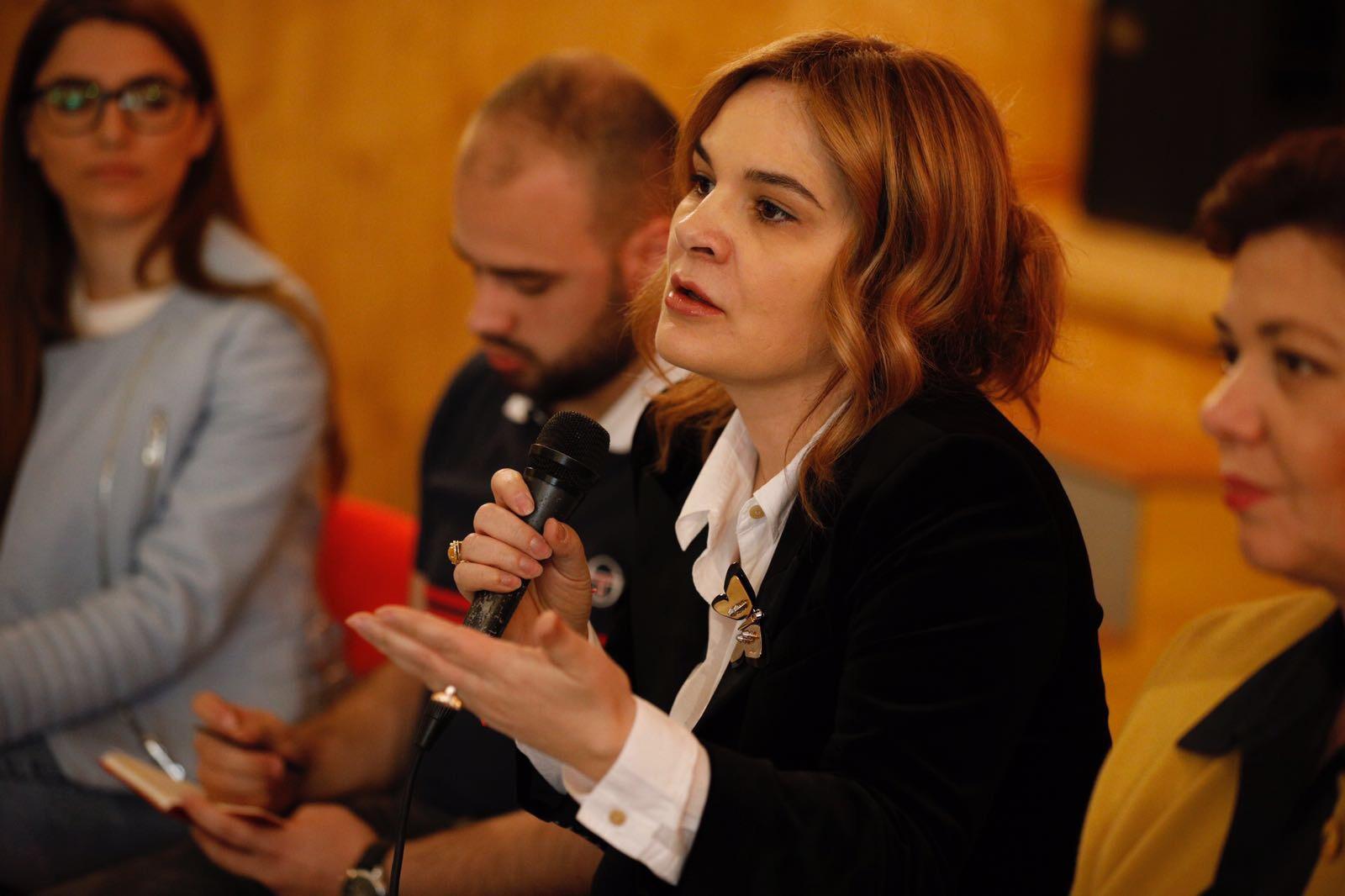 Monika Kryemadhi presidente e vendit  Ja si përgjigjet