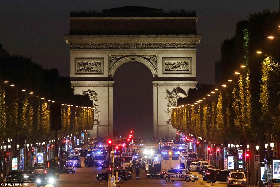 3F6E0D1E00000578-4429938-A_French_police_officer_was_tonight_shot_dead_on_the_Champs_Elys-a-48_1492719533719