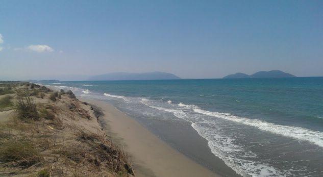 Kush po 'i vret' shqiptarët në det?