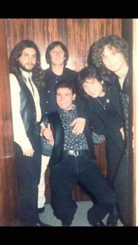 Foto e rrallë  Redon Makashi dhe Elton Deda në kohën kur i adhuronin vajzat