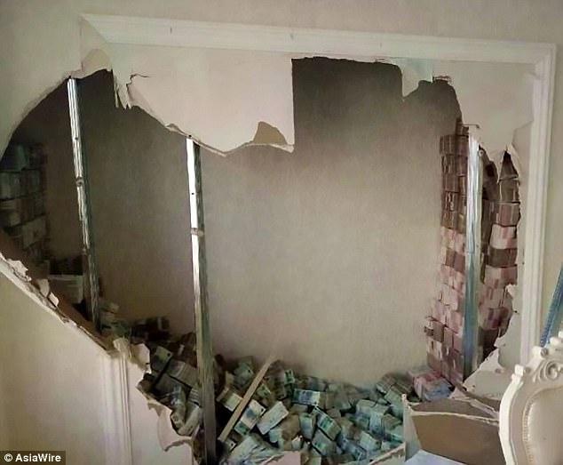 E ndjek dhe i bastis shtëpinë, policia habitet nga ajo që i zbulon në mure