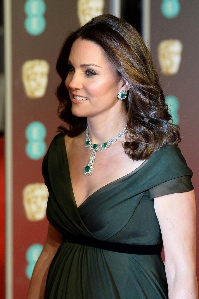 Kate Middleton shkel kodin e veshjes në BAFTA