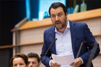 Fjalimi që tronditi sallën e PE  eurodeputeti  Ju nuk jeni në rregull  bëni gati valixhet dhe të shkoni të kërkoni një punë