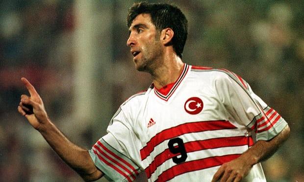 """Historia e dhimbshme e legjendës së futbollit turk, nga hero në """"tradhtar"""""""
