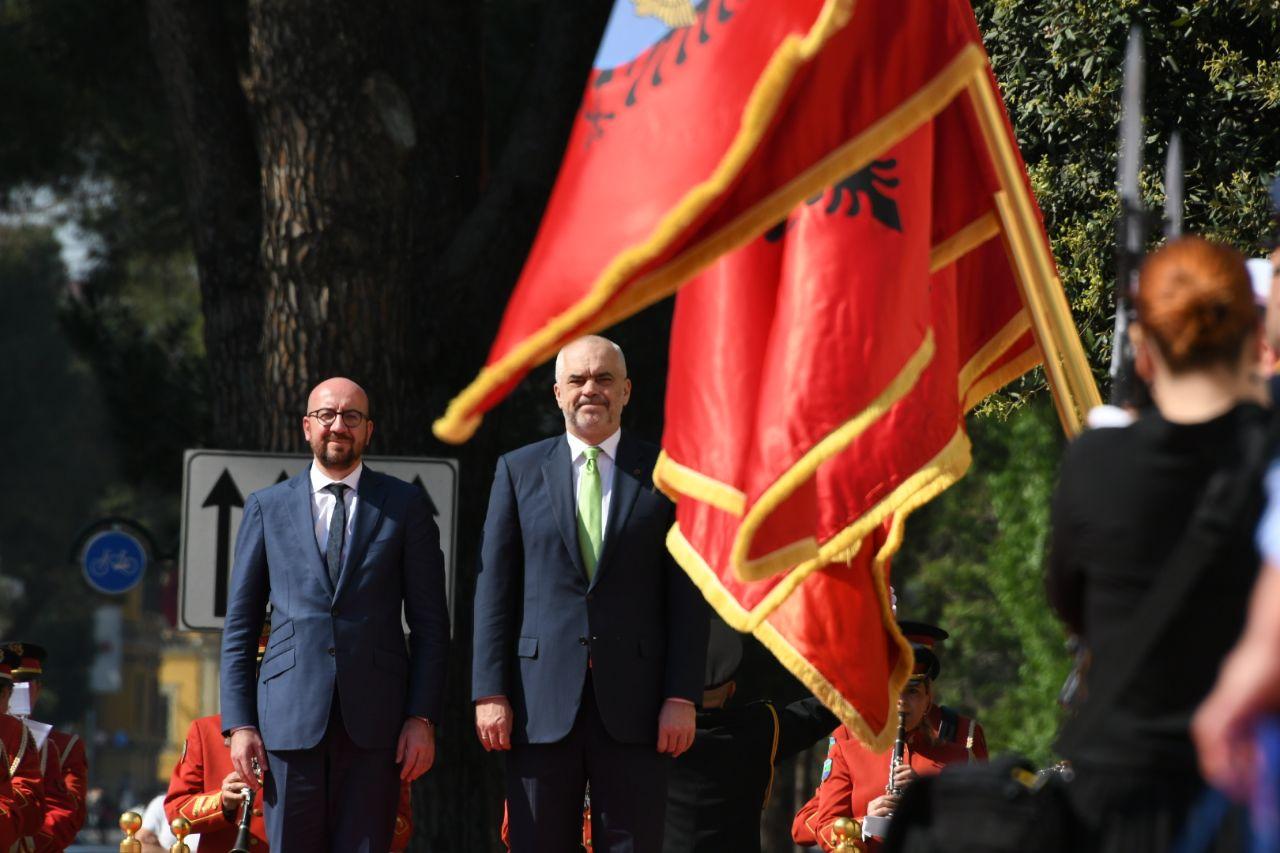 Kryeministri belg vizitë zyrtare në Tiranë, pritet nga Rama