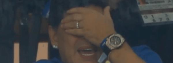 Video/ Reagim epik, shikoni gjestin e Maradonës kur po shkatërrohej Argjentina