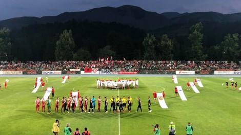Futet ambulanca në fushë, ndeshja mes Skënderbeut dhe Partizanit degjeneron në sherre