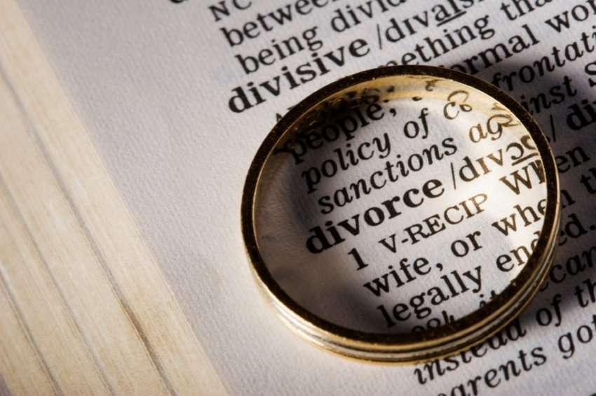 Divorci  evolucioni dhe ritualet e çuditshme të shkurorëzimit në histori