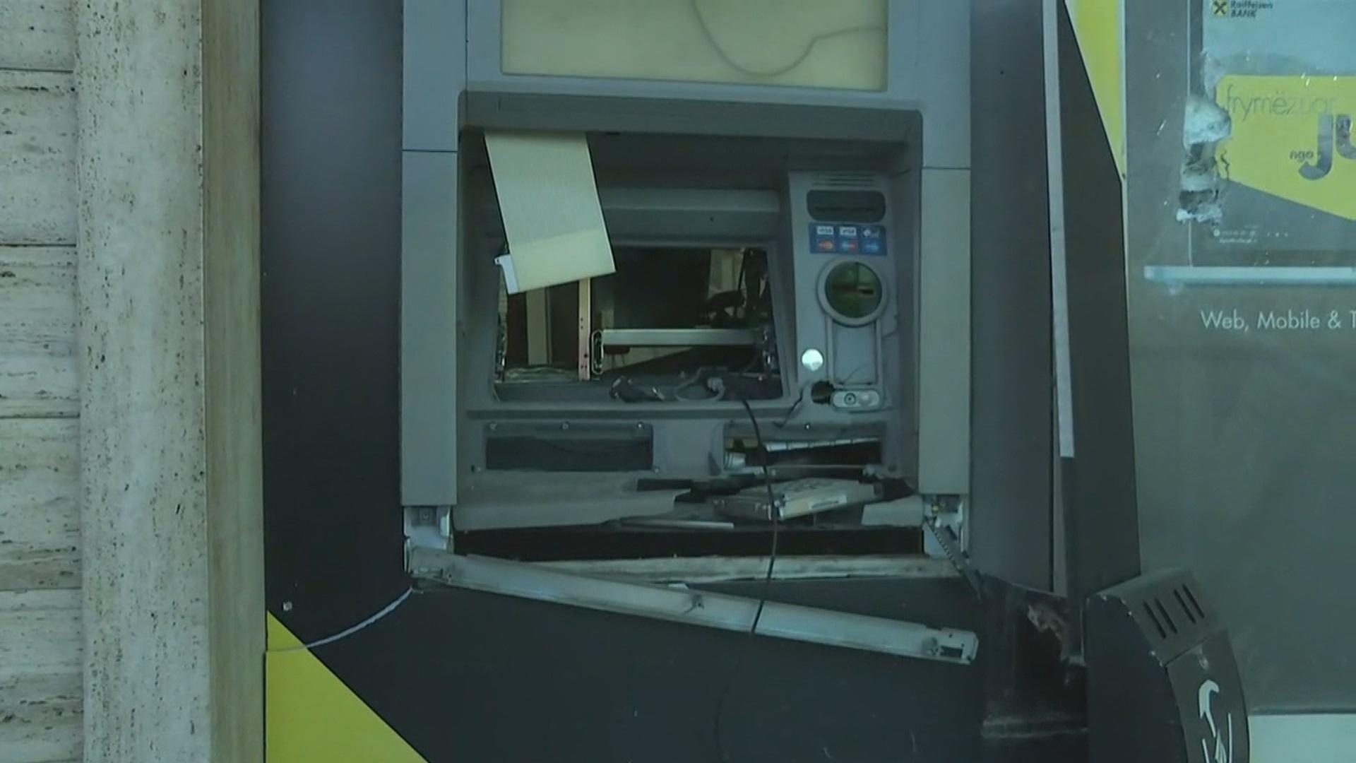 Video Bankat në shenjestër  Tre bankomate grabiten me tritol brenda muajit