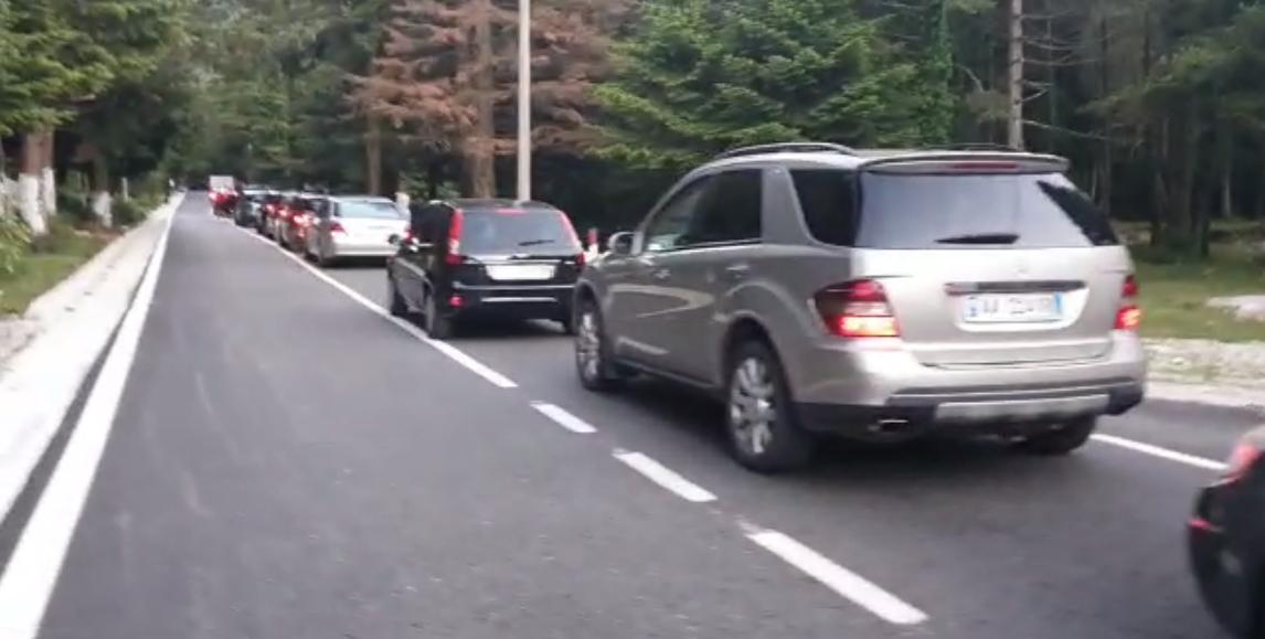 Video  Bllokohet Llogaraja  radhë kilometrike automjetesh